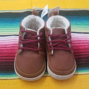 New Baby Gap Sherpa Boots